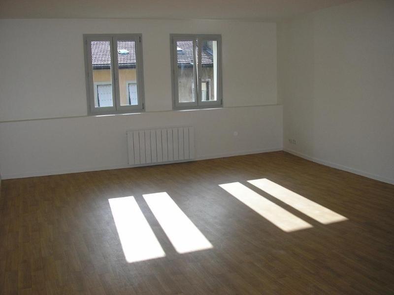 Location appartement Nantua 498€ CC - Photo 2