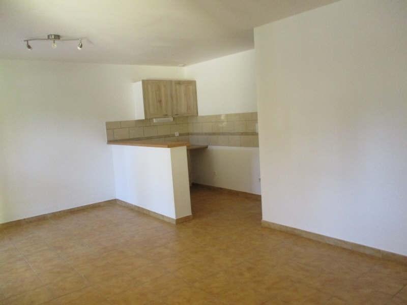 Rental apartment Salon de provence 634€ CC - Picture 2