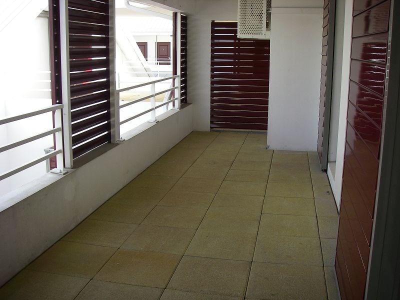 Location appartement St denis 485€ CC - Photo 2