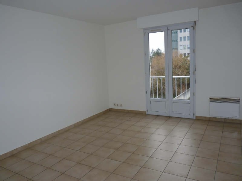 Location appartement La roche sur yon 325€ CC - Photo 1