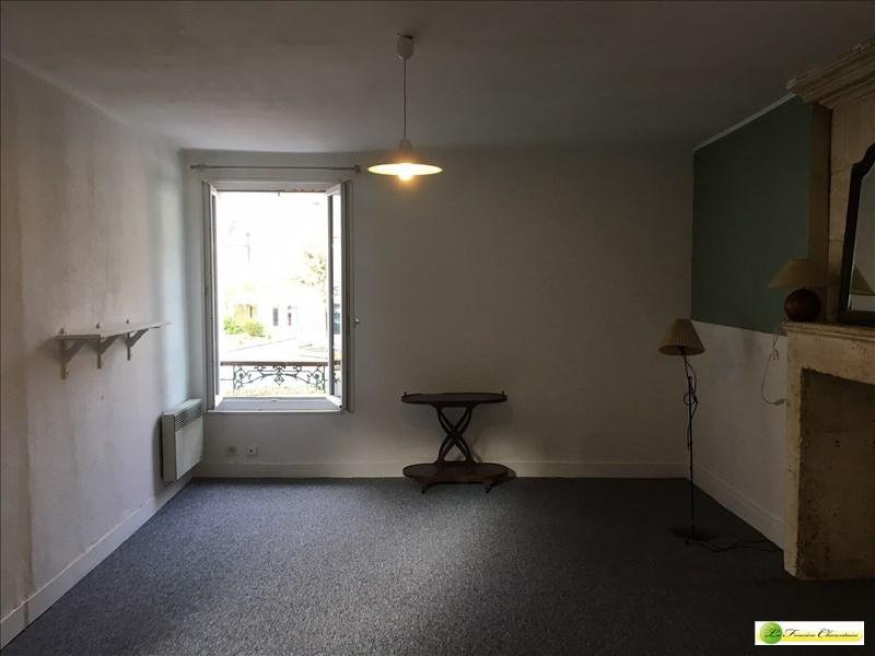 Rental apartment La couronne 296€ CC - Picture 3