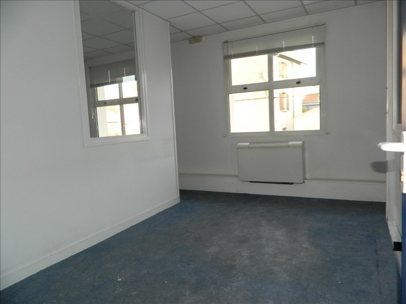 Location local commercial Roanne 2 559€ HT/HC - Photo 3