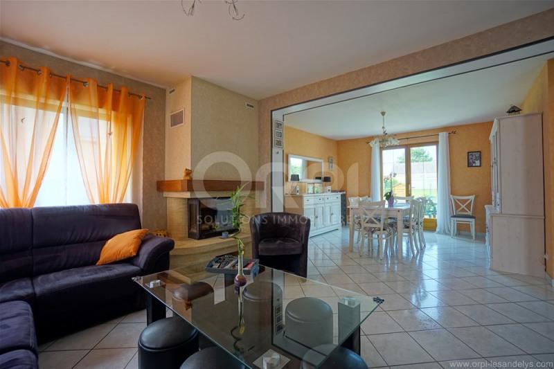 Sale house / villa Les andelys 325500€ - Picture 2
