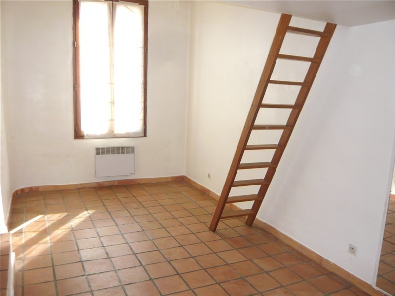 Rental apartment Aix en provence 556€ CC - Picture 2