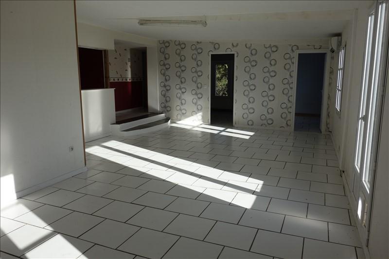 Sale house / villa Laruscade 92000€ - Picture 2