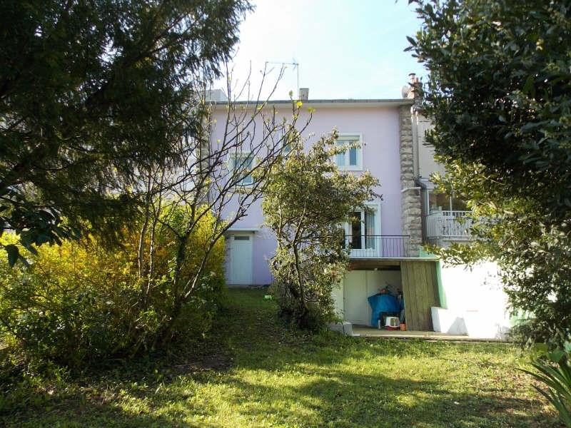 Sale house / villa Suresnes 695000€ - Picture 1