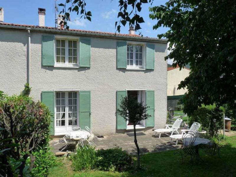 Venta  casa Chambon-feugerolles (le) 210000€ - Fotografía 1
