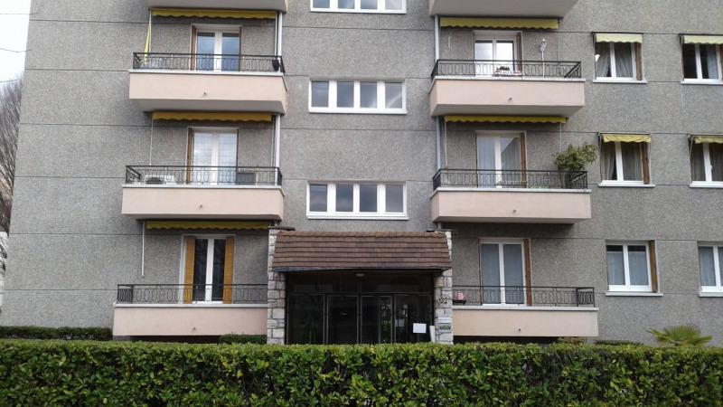 Rental apartment Meylan 505€ CC - Picture 1