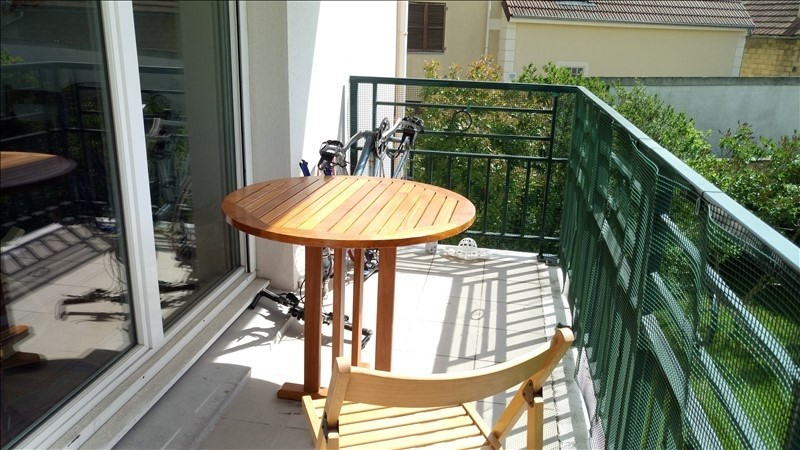 Sale apartment Poissy 350 000€ - Picture 1