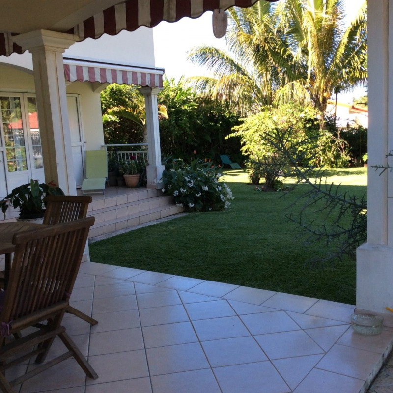Rental house / villa Bras panon 1 395€cc - Picture 2