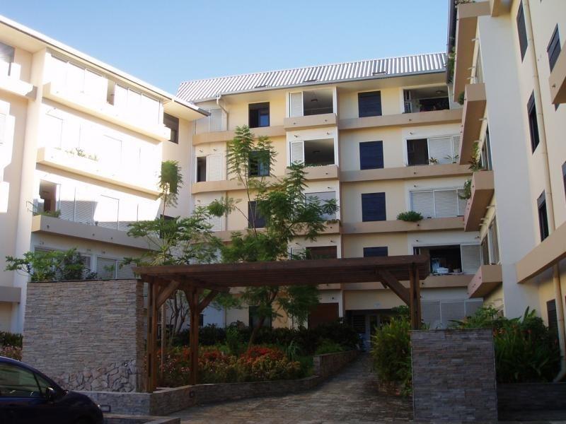 Sale apartment St pierre 180200€ - Picture 1