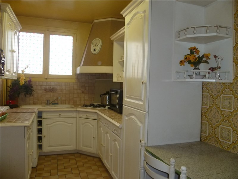 Sale apartment Chelles 149000€ - Picture 2