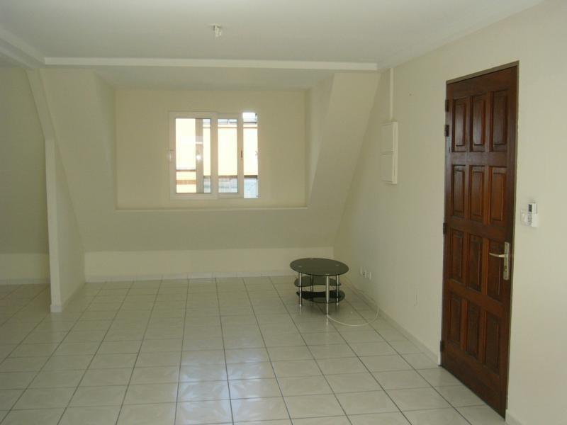 Rental apartment St denis 600€ CC - Picture 2