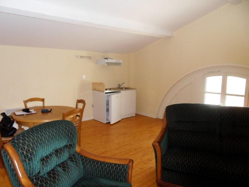 Rental apartment Segonzac 350€ CC - Picture 1