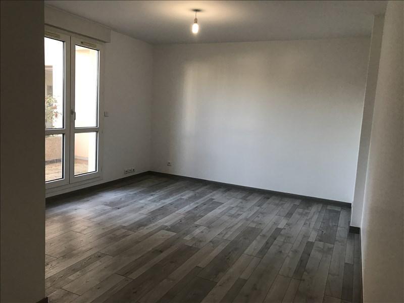Location appartement Villepreux 850€ CC - Photo 2