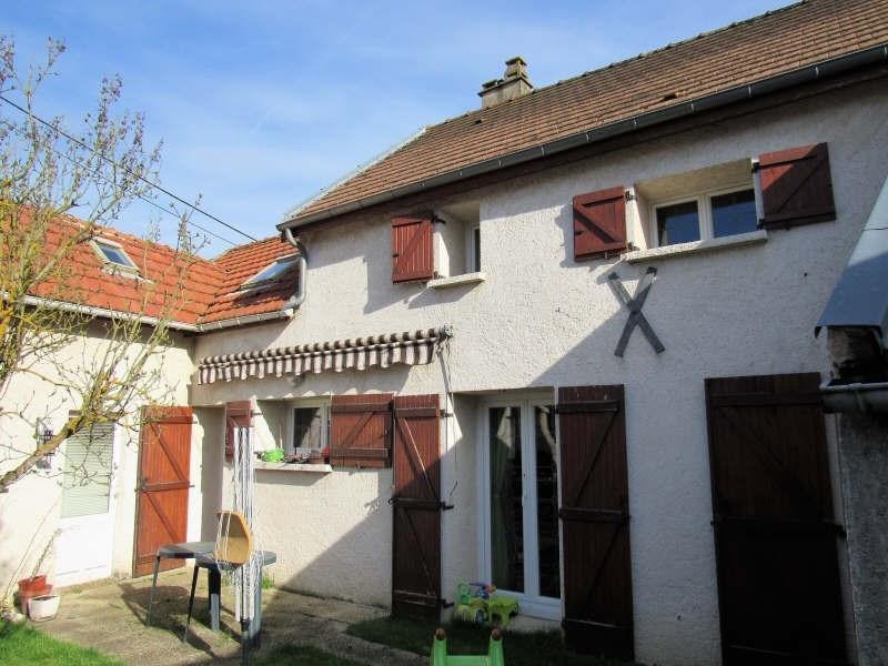 Sale house / villa Breval proche 272000€ - Picture 1