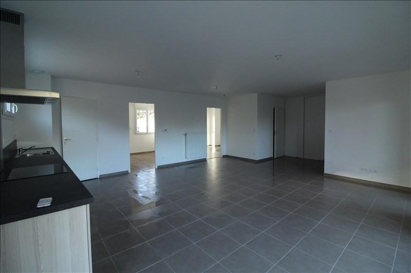 Verhuren  appartement Voiron 760€ CC - Foto 2