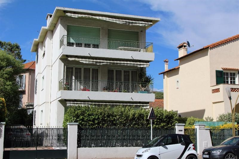Sale building Juan les pins 975 000€ - Picture 1