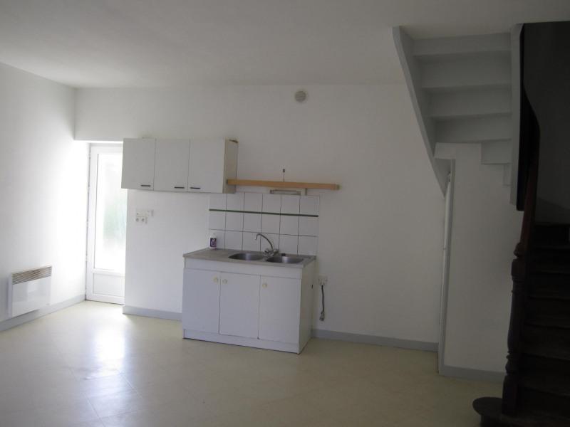 Location appartement Barbezieux-saint-hilaire 330€ CC - Photo 2