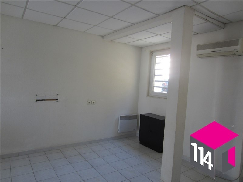Location local commercial St bres 550€ HT/HC - Photo 4