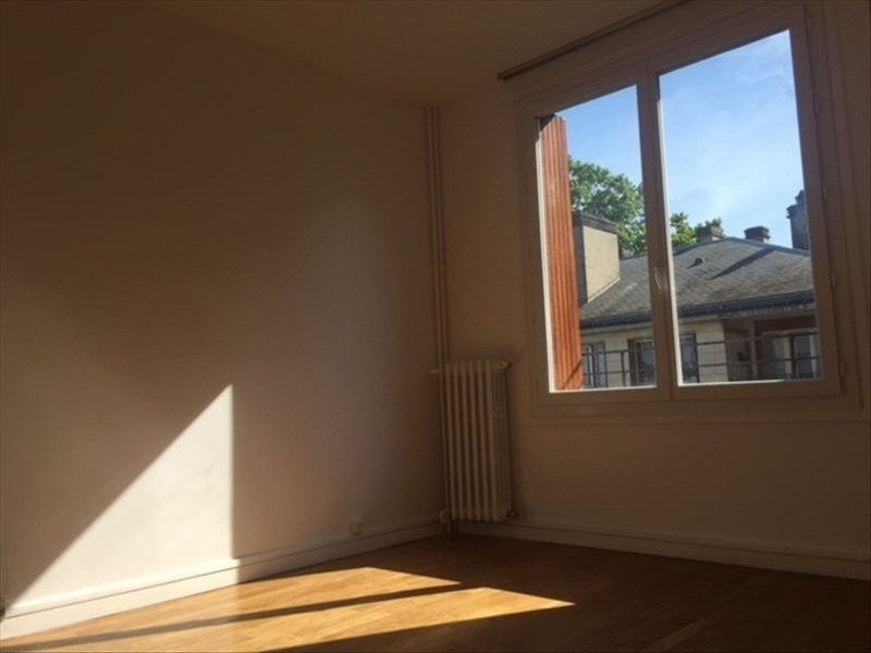 Rental apartment Marly le roi 980€ CC - Picture 9