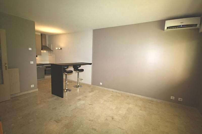 Sale apartment Juan-les-pins 195000€ - Picture 2