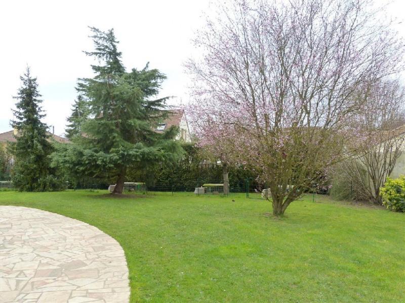 Sale house / villa Chartrettes 550000€ - Picture 2