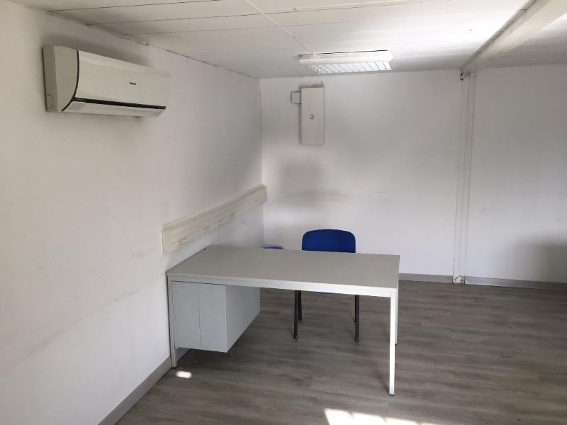 Location bureau Gignac la nerthe 1 583€ CC - Photo 1