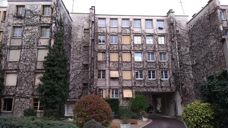 Rental apartment Courbevoie 1100€ CC - Picture 1