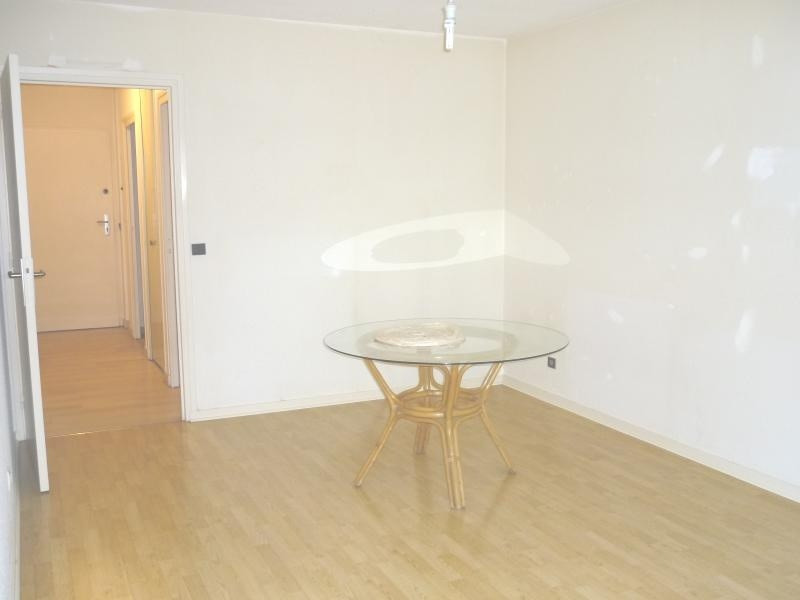 Location appartement Grenoble 420€cc - Photo 2