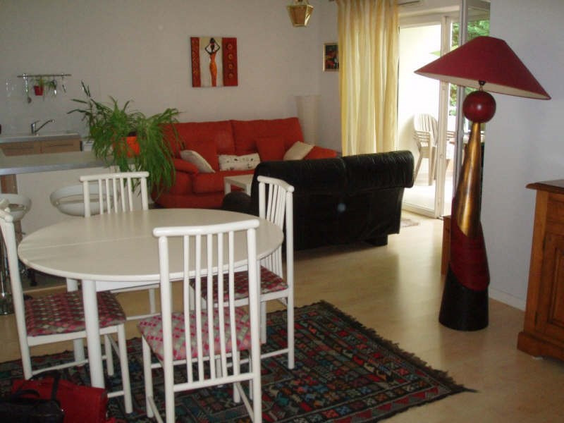 Sale apartment Pessac 225 000€ - Picture 2