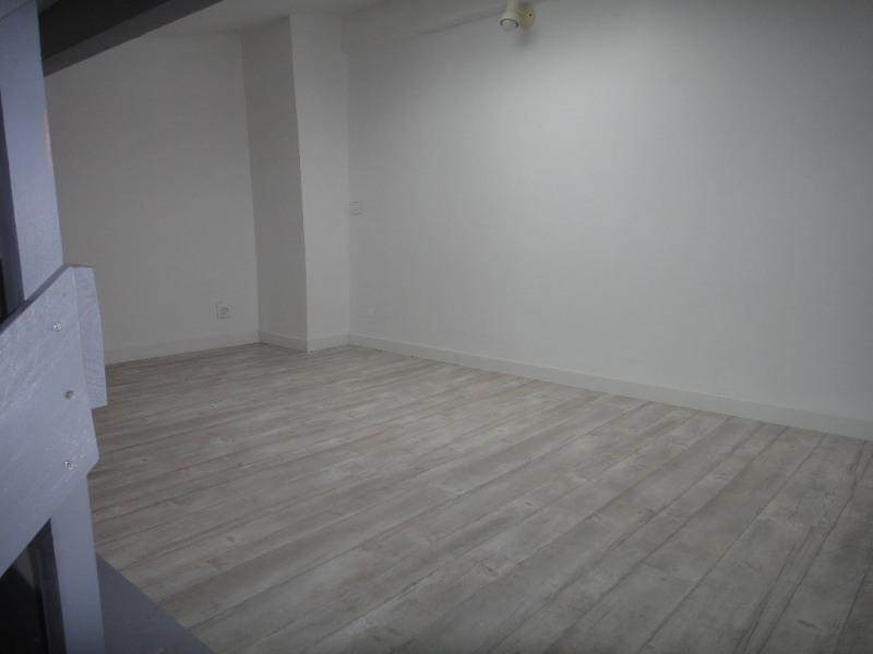 Location appartement Saint-mitre-les-remparts 530€ CC - Photo 4