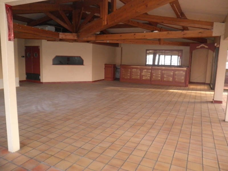 Location local commercial Carpentras 1500€ HT/HC - Photo 2