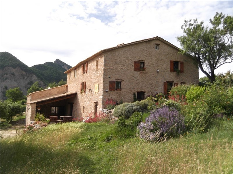 Deluxe sale house / villa Clamensane 950 000€ - Picture 2