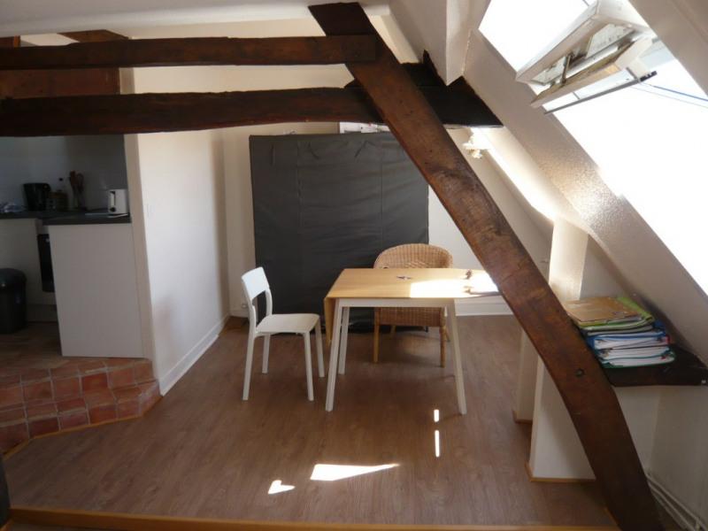 LAVAL, studio de 20 m² au 3ème étage