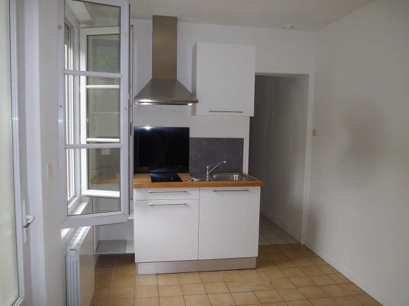 Location maison / villa Vendome 320€ CC - Photo 2