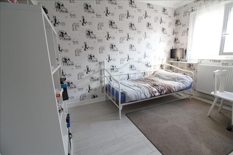 Sale house / villa Maurepas 339000€ - Picture 6