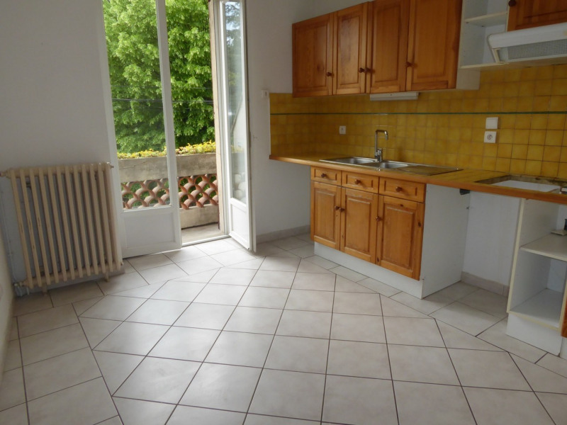 Location appartement Aubenas 521€ CC - Photo 4