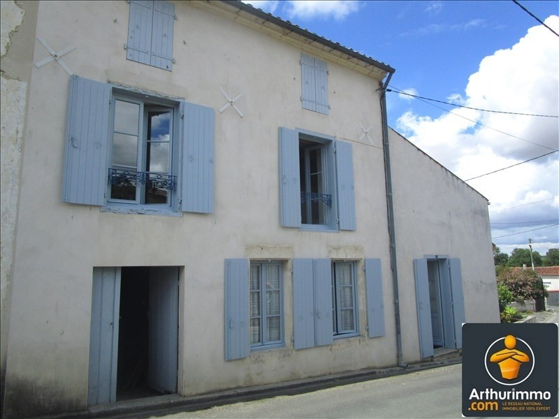 Sale house / villa Matha 64800€ - Picture 1