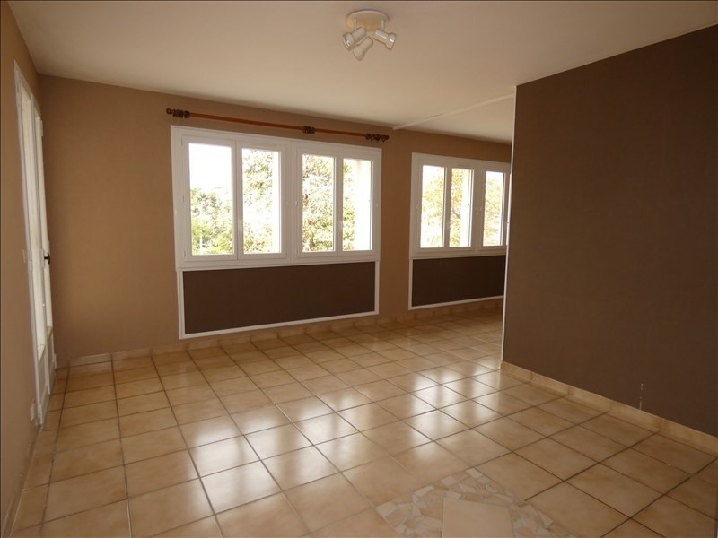 Rental apartment Montelimar 680€ CC - Picture 2
