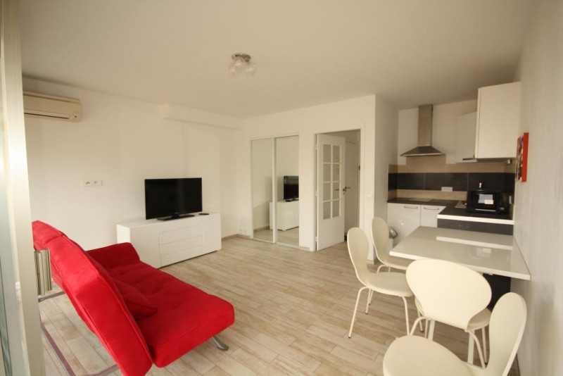 Location appartement Juan les pins 575€ CC - Photo 1