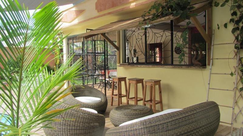 Deluxe sale house / villa St gilles les bains 850000€ - Picture 2