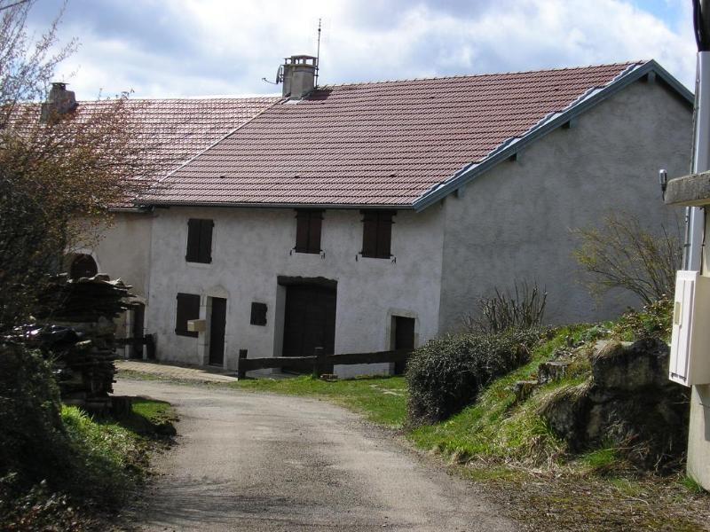 Location maison / villa Montclusel 689€ CC - Photo 1