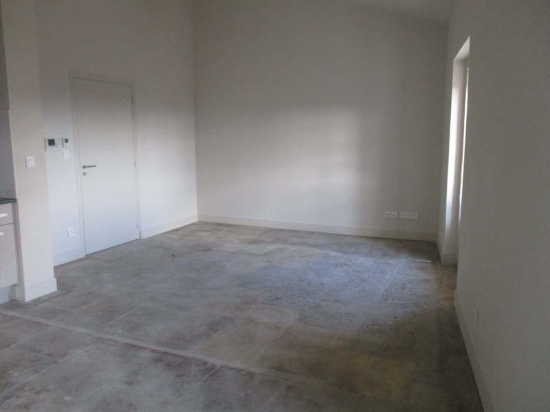 Location appartement Nimes 645€ CC - Photo 2