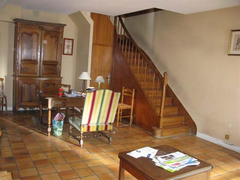 Sale house / villa Saint-jean-d'angély 190 800€ - Picture 3