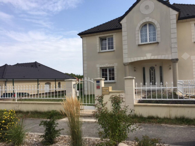 Location maison / villa Châlons-en-champagne 1 170€ CC - Photo 1