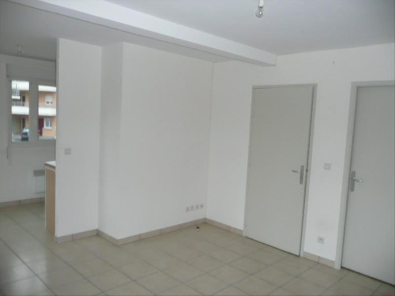 Location appartement Aubigny sur nere 449€ CC - Photo 2