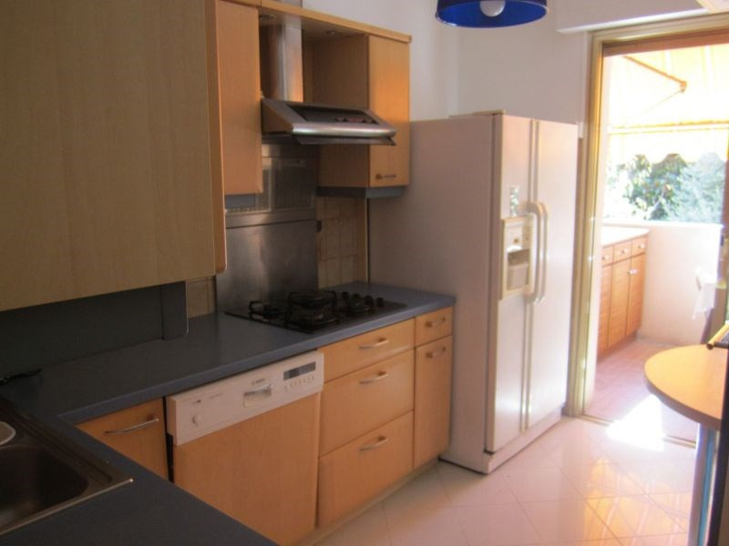 Rental apartment St laurent du var 1 550€ CC - Picture 3