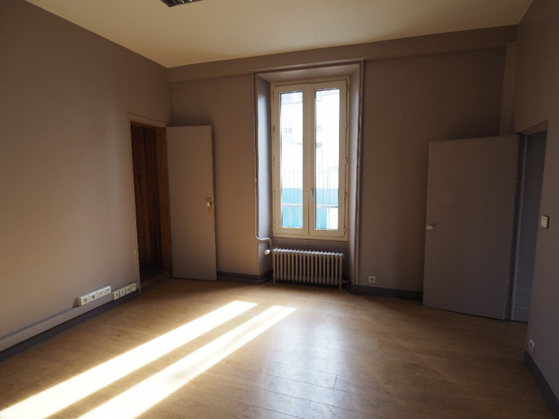 Rental office Melun 2 200€ CC - Picture 7