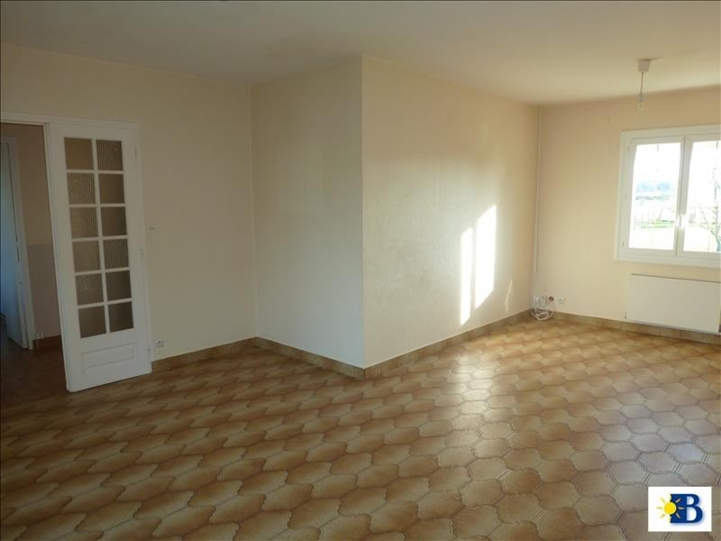 Location maison / villa Naintre 656€ CC - Photo 2